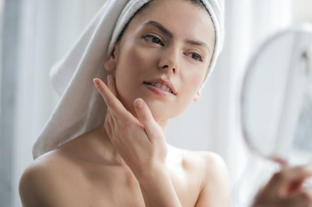 Nevea extra whitenning skin therapy serum