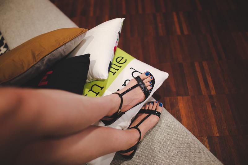 สีเล็บเท้าผิวคล้ำ