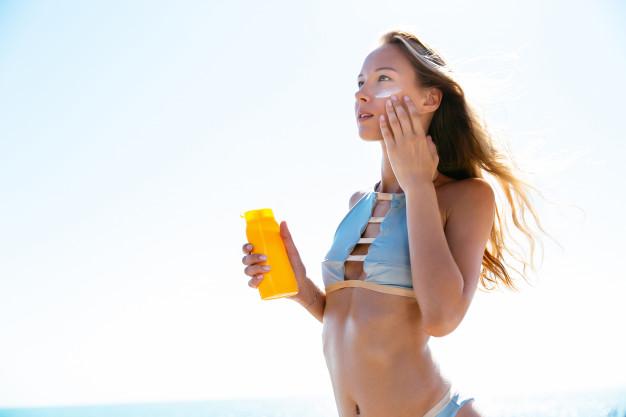 ไอเทมฮิตหน้าหนาวนี้ต้องมีไว้ ครีมกันเเดดนีเวียทาตัวสูตร Sun Protect And Moisture