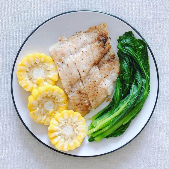 ลดน้ำหนักควรกินอะไร