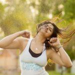 ออกกำลังกายท่าคาร์ดิโอง่าย ๆ #5 ท่า ที่จะช่วยให้คุณเผาผลาญไขมัน ลดน้ำหนักและมีหน้าท้องที่แบนราบได้อย่างง่ายดาย!!