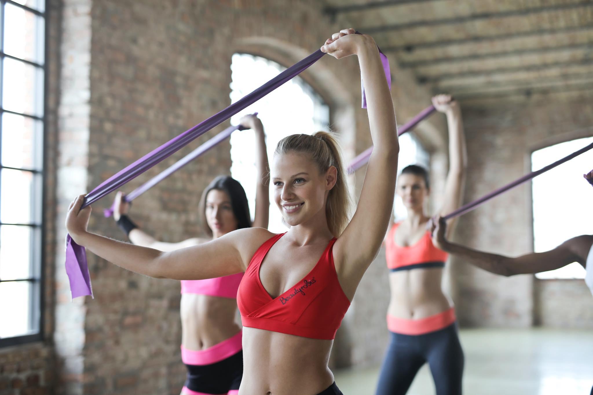 ออกกำลังกายด้วยยางยืด