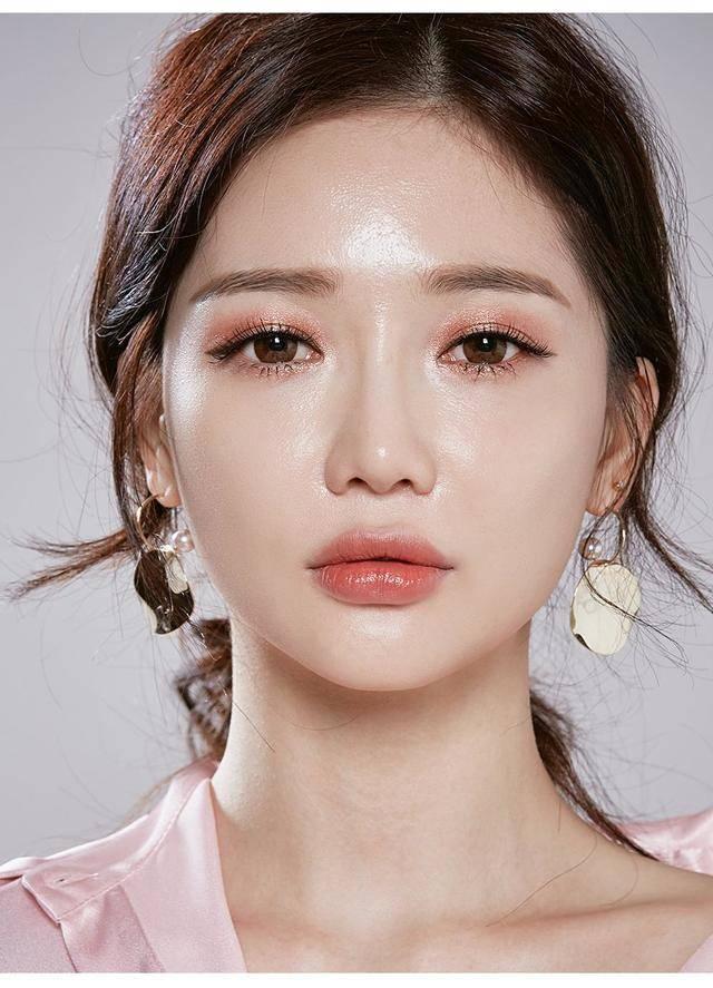 เเต่งหน้าเกาหลี