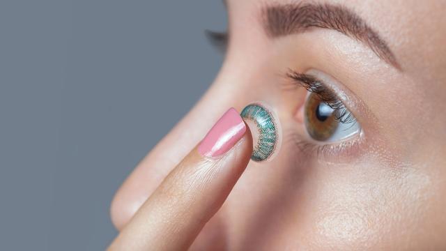 เบื่อกับการใส่แว่นเพราะปัญหาสายตา ปัญหาเหล่านั้นจะหมดไป เเค่ใส่คอนแทคเลนส์สายตา พร้อมเเนะนำเคล็บลับมากมายสำหรับมือใหม่ มาดูกันเลย !!