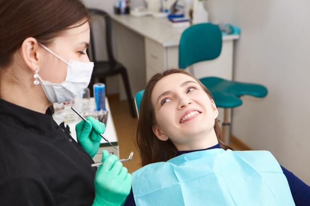 ส่องราคา คลินิคทันตกรรมจัดฟันมหิดล คลินิคจัดฟันที่คิวแน่นที่สุดแห่งปี