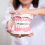 จัดฟันข้างในคืออะไร ต่างกับการจัดฟันแบบใสอย่างไร ราคาเท่าไหร่??? พร้อมแนะนำ #3พิกัดจัดฟันข้างในโดยแพทย์ผู้เชี่ยวชาญ