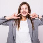 ถอนฟันหน้าจะจัดฟันได้ไหมพร้อมแนะนำ #5 คลินิคจัดฟันช่วยให้ฟันเรียงสวย เพิ่มความมั่นใจให้ตัวเอง